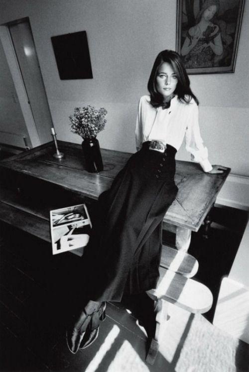 """Charlotte Rampling; captured by Jeanloup Sieff (1970) - Seventies Style - El estilo de los años setenta - Los 70 - 70´s fashion - """"Mc Decade"""""""