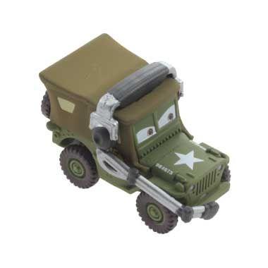 Disney Cars 2 auto Sarge met headset  De uit de Disney film Cars 2 bekende groene jeep genaamt Sarge is een oude oorlogsveteraan. Hij streed in de tweede wereldoorlog. Sarge is streng en heeft een headset op zijn hoofd. Steun Bliksem McQueen in de Grand Prix.  EUR 7.99  Meer informatie