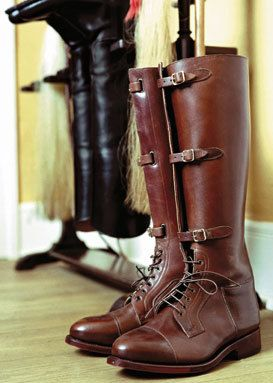 I think I found my new cubbing boots...