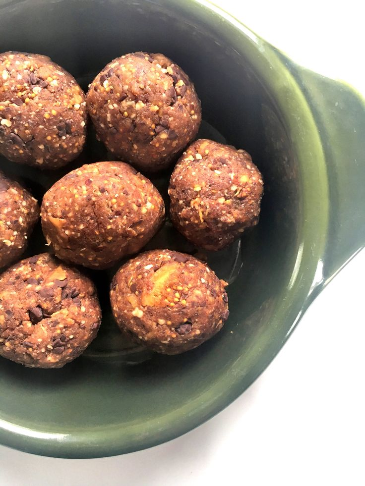 Fig and Nut Energy Bites