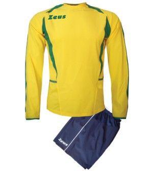 Zeus Brazil Hosszú Ujjú Futball Szett frissített szálú, kényelmes, latinos, kopásálló, tartós, színbetéttel karcsúsított, rövid ujjú mezzé alakítható a Brazil focimez szett. Könnyen szárad, magbiztos, egyedi, tökéletes választás a Bazil focimez szett. Zeus Brazil Hosszú Ujjú Futball Szett 2 méretben és 4 színkombinációban érhető el.