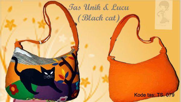 Tas Handmade Lucu - TS. 079    Bahan: kaos  Ukuran: 40 x 28 cm ..... ukuran tas sedang  Dengan aplikasi gambar kucing, yang lucu serta warna yang cerah.    *Untuk info selanjutnya, hubungi: 0812-9850-8811/0858-8537-8811/0878-8095-8811 add pin: 315BE3EC