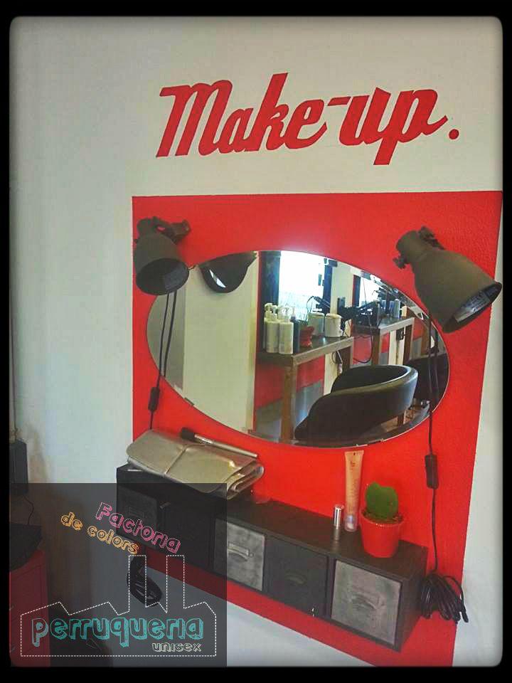 Nuestro tocador de maquillaje! <3