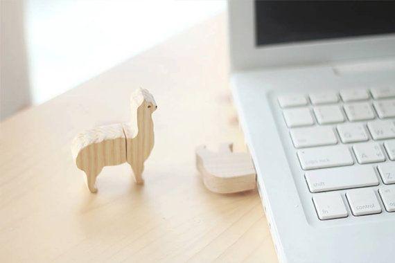 Wooden animal flash drive by minkislovethailand on Etsy