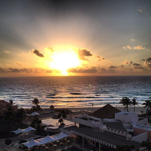 "@georgeeconomopolis's photo: ""Good Morning Cancun #view#sunrise#vacation#mexico#cancun#omni#resort"" #OmniEscape"