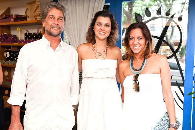 БРАЗИЛИЯ: Принц Жуан д'Орлеан-Браганса; Ясмин Паранагуа, принцесса д'Орлеан-Браганса, и ее королевское высочество Принцесса Анна Клаудиа д'Орлеан-Браганса