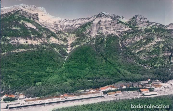 Postales: POSTAL CANFRANC - VISTA PANORAMICA AL FONDO PICO DEL AGUILA - 10 SICILIA - COLOREADA - Foto 1 - 72391087