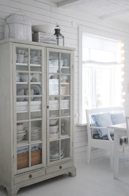 Julias Vita Drömmar gray dish hutch - perhaps similar with floor to ceiling built-in dish cabinet?