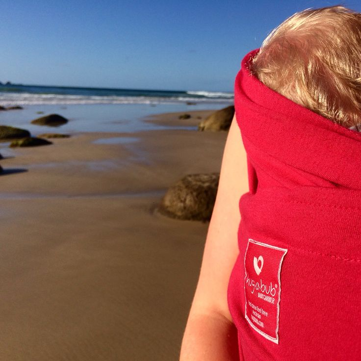 Hug a bub. The best wrap carrier on the market. From organic fair trade cotton to a gorgeous air rated weave this is not only practical for day to day skin contact baby wearing but completely ethical as well. We at the Byron baby shop in Byron bay are the only stockist of this wrap in the Byron Bay Area. #ethicalfashion #fairtrade #organic #organicbaby #organiccotton #babywearing #wrapcarrier #hugabub #beach #beachwalk #suntan #newborn #beachday #family #amazing #byronbay #byronbazaar…