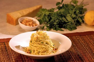 Lemon Angel Hair Pasta by Cristina Ferrare via Oprah.com -- This sounds amazingly fresh!Easy Pasta Recipe, Easy Dinner, Pasta Recipes, Hair Pasta, Lemoninfus Angels, Spring Dishes, Lemon Infused Angels, Romantic Dinner, Angels Hair