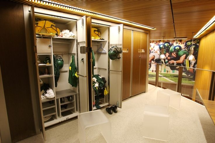 DUCKS QuackAttack FOOTBALL Locker Room Pac12