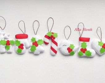 Set of 5 felt reindeers Christmas decoration by DevelopingToys