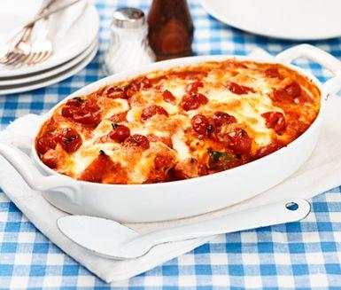 Denna cannelloni är en vegetarisk pastarätt med tomat och paprika. Arrabbiata betyder arg på italienska, men här syftar det på chilihettan i tomatsåsen.