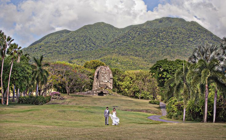 Planner: Angela Proffitt Venue: Four Seasons Resort, Nevis Photographer: Joy Marie Photography