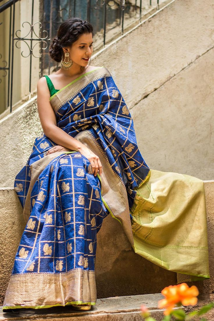 Navy blue and lime green checked Kanakavalli inspired silk cotton saree with weave motifs  #saree #blouse #houseofblouse #indian #bollywood #style #traditional #navyblue #limegreen #checked #Kanakavalli #inspired #silkcotton #thread #weave #motifs