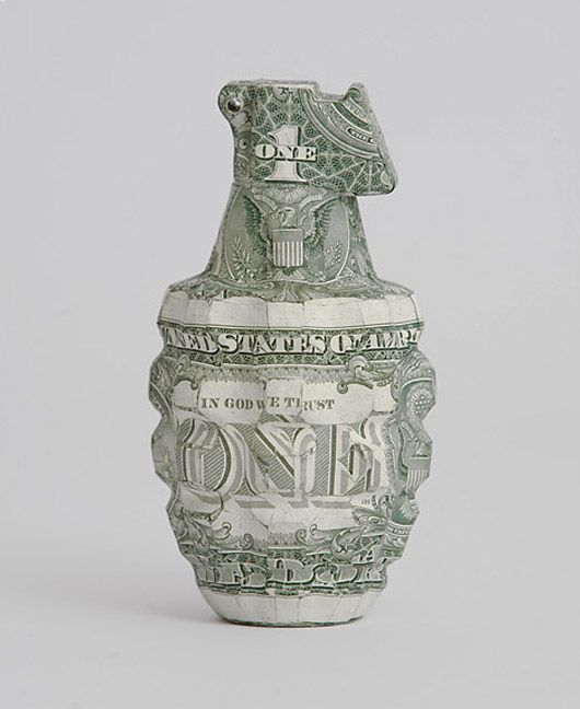 London based artist Justine Smith makes the most beautiful sculptures using paper money from all over the world. Her work with banknotes evolved from research she gathered about our relationship with money, the power it represents, and how it impacts our everyday lives.