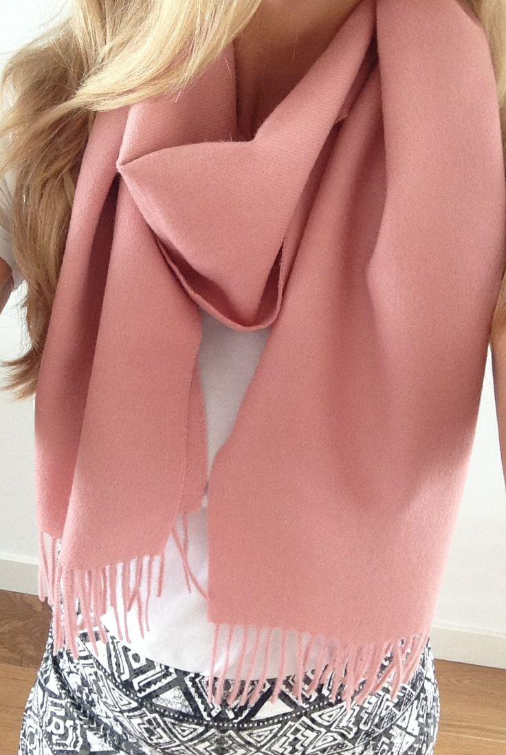 Effen Roze Sjaal 'Magnolia' | GUAPACA | COLLECTION | www.guapaca.com #alpaca #sjaal #scarf #shawl