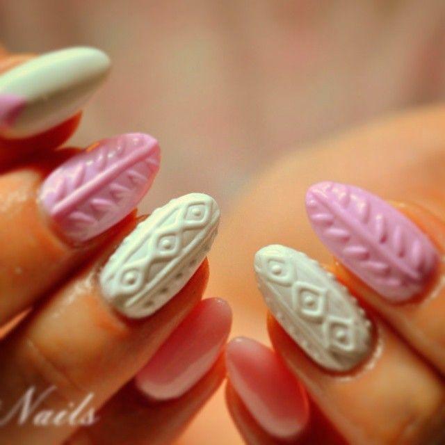 #naillove #sweet #pink #white #sweterkowe #nailgram #nailspoland #lublin #nailswag #nailsporn #manicure #time #nails #style #hobby #magic#justnailslove
