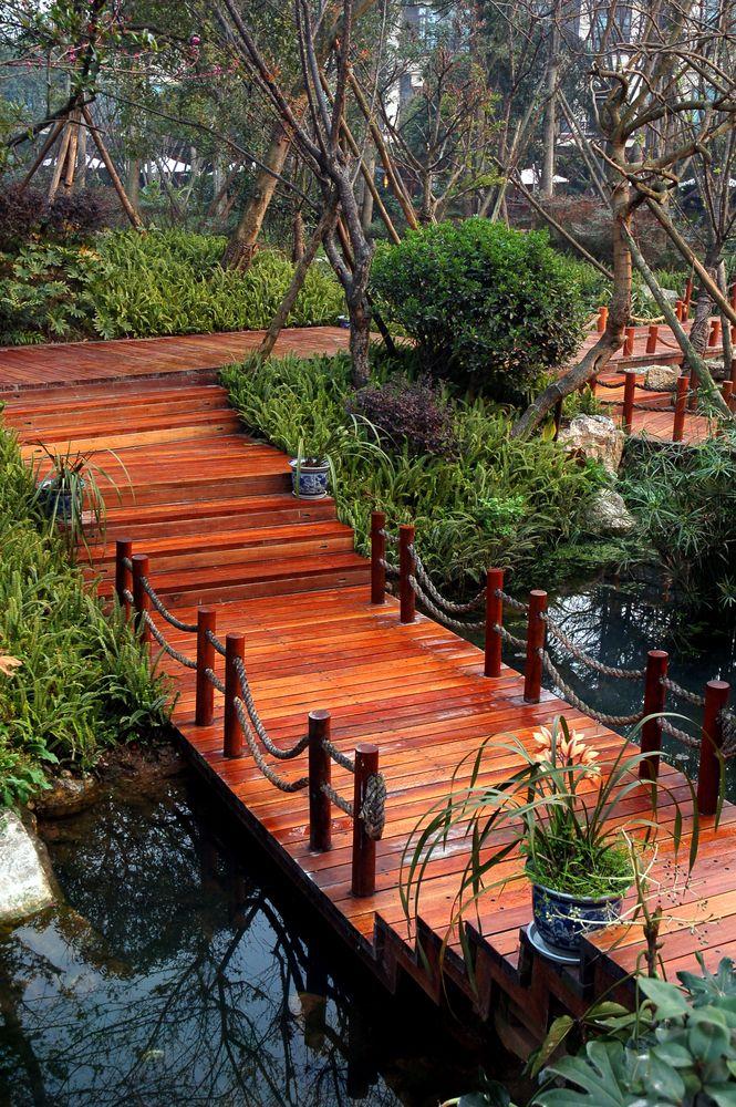 24 Incredible And Varied Garden Bridge Designs