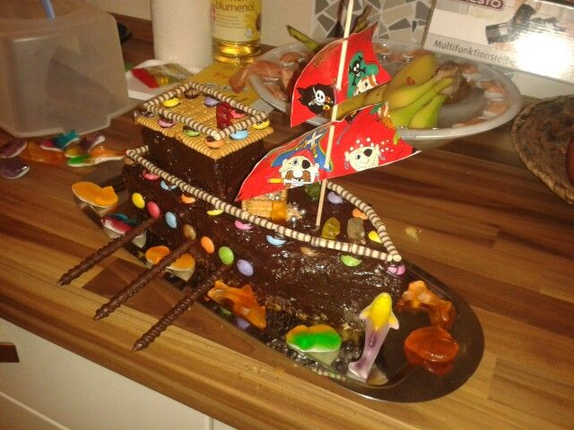 piratenschiff kuchen kinderparty pinterest. Black Bedroom Furniture Sets. Home Design Ideas