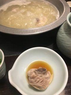 華味鳥の水炊き コラーゲンたっぷりなスープが美味しい 接客も素晴らしくて大満足でした デザートのプリンが感動ものだったので〆に必食です tags[福岡県]