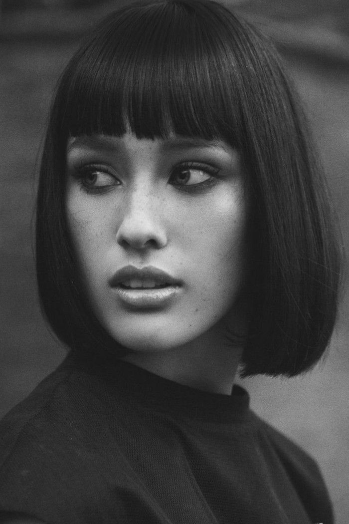 Page cut with short bangs Bob Pagen hairdo retro style beautifully