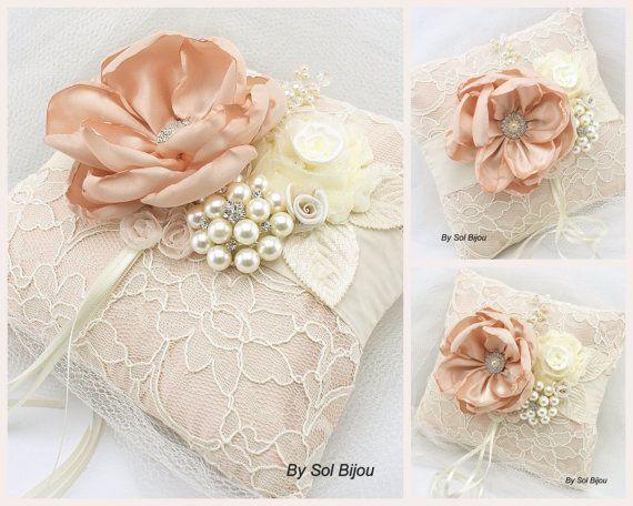 Blush+anello+portatore+cuscino+cuscino+nuziale+in+di+SolBijou,+$125.00