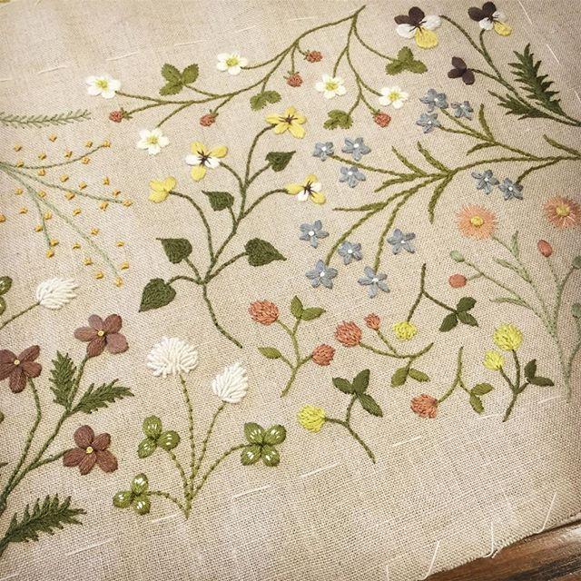 よみうりカルチャー自由が丘(6/21・水)と川崎(6/29・木)で、ボタニカル刺繍の体験会をさせていただくことになりました。 以前、浦和での体験会で作ったブローチを製作します♪ 刺繍の楽しさを感じていただける様な時間にしたいと思っております。 お申込み、お問い合わせは 直接、カルチャーセンターにご連絡下さい! #よみうりカルチャー #川崎 #自由が丘 #ボタニカル刺繍 #刺しゅう #刺繍 #ハンドメイド #花刺繍 #刺繍教室 #atelierdenora