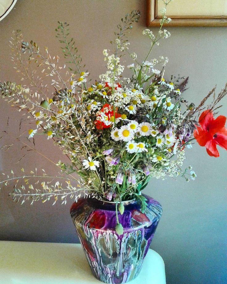 Taką miotełkę sobie przytargałam ze spaceru...ufff-gorąco ale dałam rady.#kwiatypolne #bukiet #flakon #pięknekwiaty #wildflowers #bouquet #vase