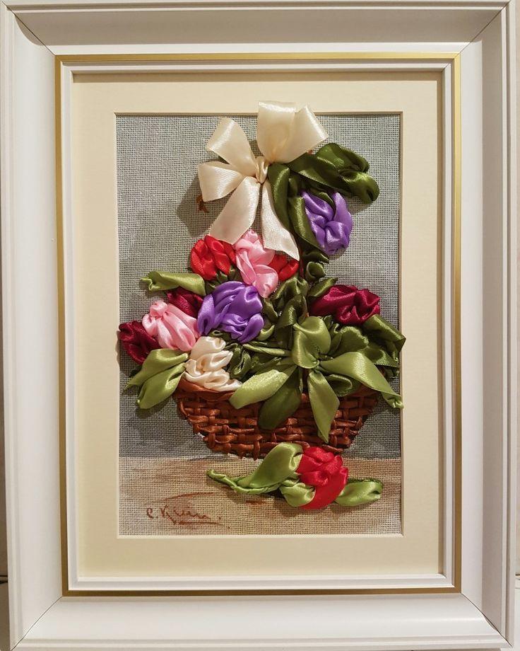 Lalele - Broderie cu panglici ( 3D ) 17 x 25 cm fara rama (+ Rama, Passepartout, sasiu cu panza ) 234.72 Euro  Pret: 1.079,71 RON