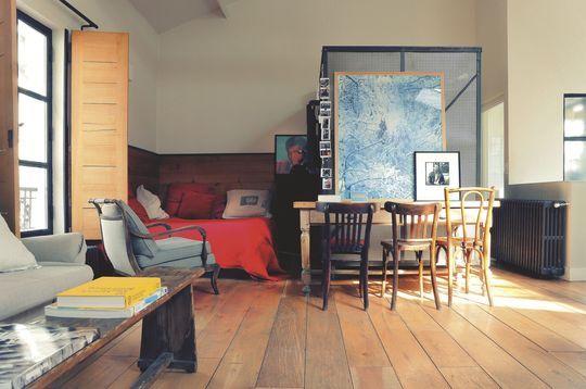 Le coin chambre du loft industriel - Resto à domicile au style industriel - CôtéMaison.fr