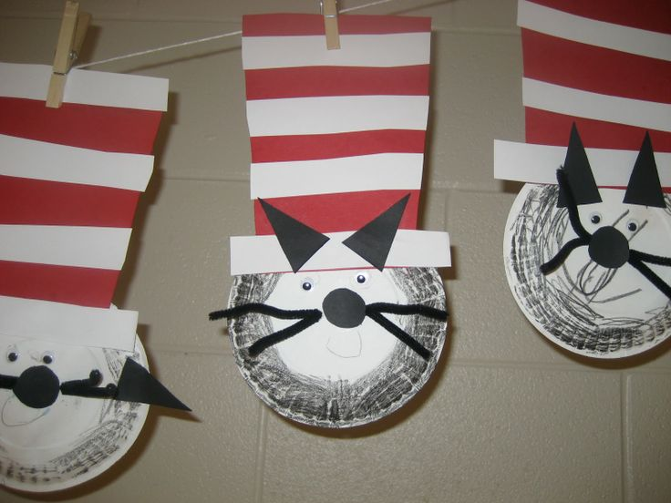 The Cat in the Hat craft - Dr. Suess Day Activity!