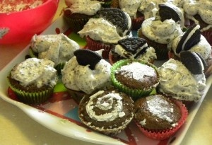 Cupcakes with kids: Benefits Of, Oreo Cupcake, Kids Stuff, Bake, Kids Crafts, Kids Cooking, Teaching Kids, Baking, Delicious Food