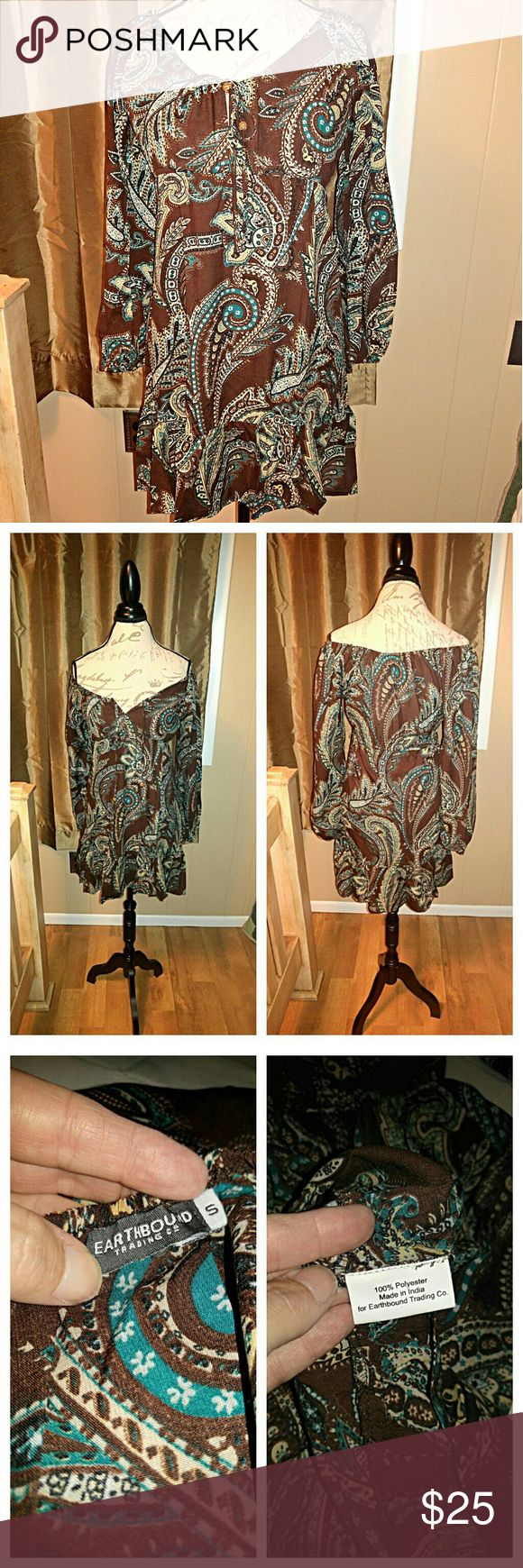 🌸Flash Sale🌸  Earthbound Dress Supercute, earthbound dress, size small. Can be worn as off shoulder dress, and looks great with leggings! Has only been worn a few times, still looks brand new, from smoke free home. Earthbound Dresses Mini