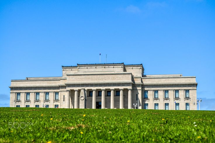 Auckland Domain - The Auckland War Memorial Museum from ground level in the Domain gardens, New Zealand.