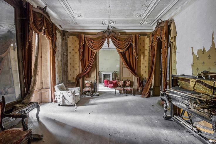 Gallery of Photographer Mirna Pavlovic Captures the Decaying Interiors of Grand European Villas - 13