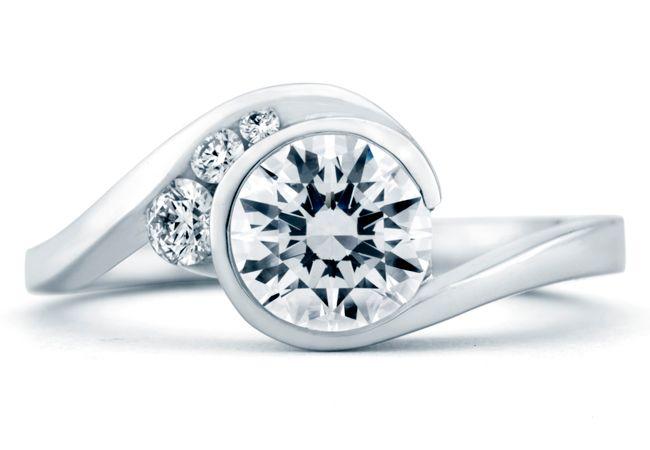 Goregous!!!!  MarkS_Escape-Top-View---15182  http://blog.theknot.com/2013/03/26/7-engagement-rings-that-wow/