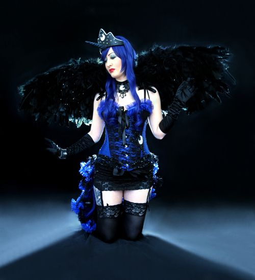 Burlesque Princess Luna Cosplay http://geekxgirls.com/article.php?ID=1427