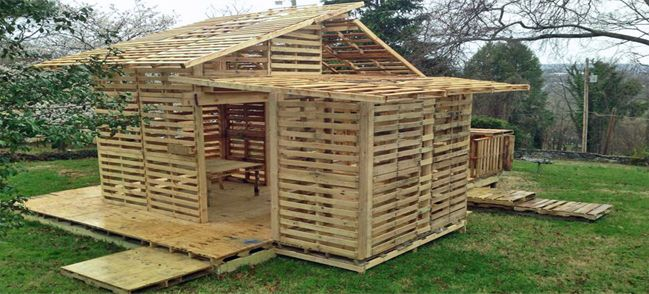 Shipping pallet house for the homeless