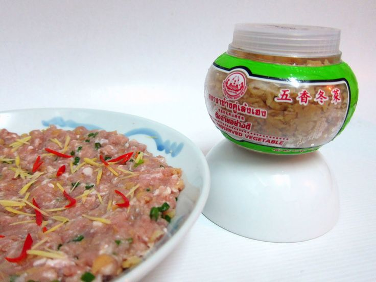 Here is another dish that is my family's favourite, a simple yet easy to make ~ Steamed Minced Pork with Dong Cai (here). Printable recipe Ingredients: 400g Minced pork with fats (五花肉) 1 tsp Ginger juice 1 tbsp Light soy sauce 1 tsp Sugar 1/2 tsp Sesame oil 1/2 tsp Cooking wine 1 tbsp Egg …