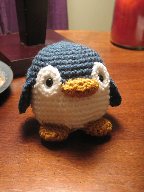 so cute, little crochet penguin! Might make this for Melissa someday. Lol