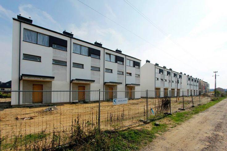 Sfinalizowaliśmy już budowę dwóch etapów osiedla Świerkowa Polana w Robakowie. Dzięki temu jesteśmy doświadczeni w realizacji tego projektu, który wyróżnił nas na mapie lokalnych nieruchomości :)