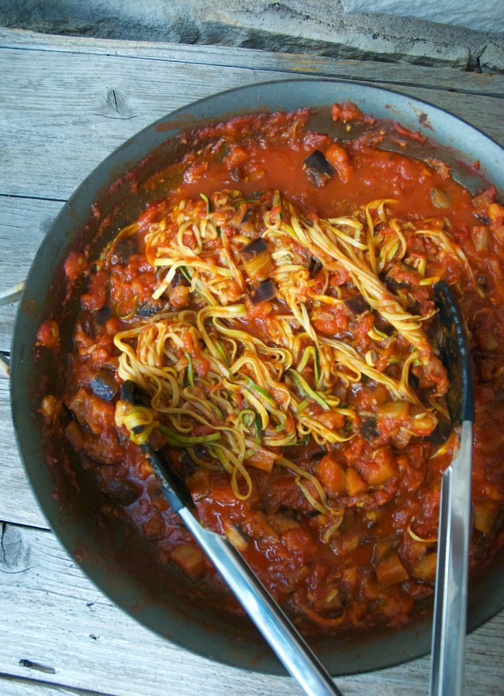 The Best Paleo Zucchini Spaghetti and Italian Meatballs --  TONS of veggies in this, y'all!
