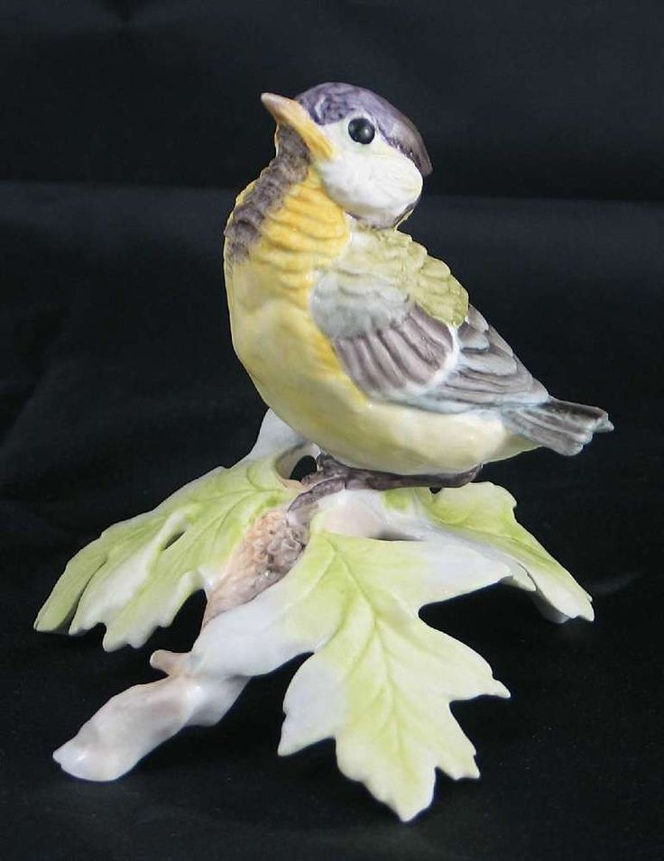 Royal Worcester Bird Figurine Fledgling Great Tit 1977