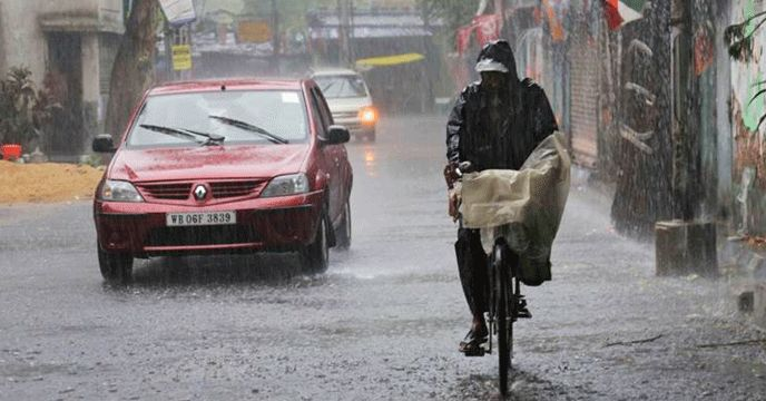 Kolkata: The Met department on Friday forecast heavy rain in sub-Himalayan West Bengal for the next three days, while the southern parts of the state are likely to receive heavy downpour till tomorrow. The met department lowered its caution for the northern parts of the state from very heavy...