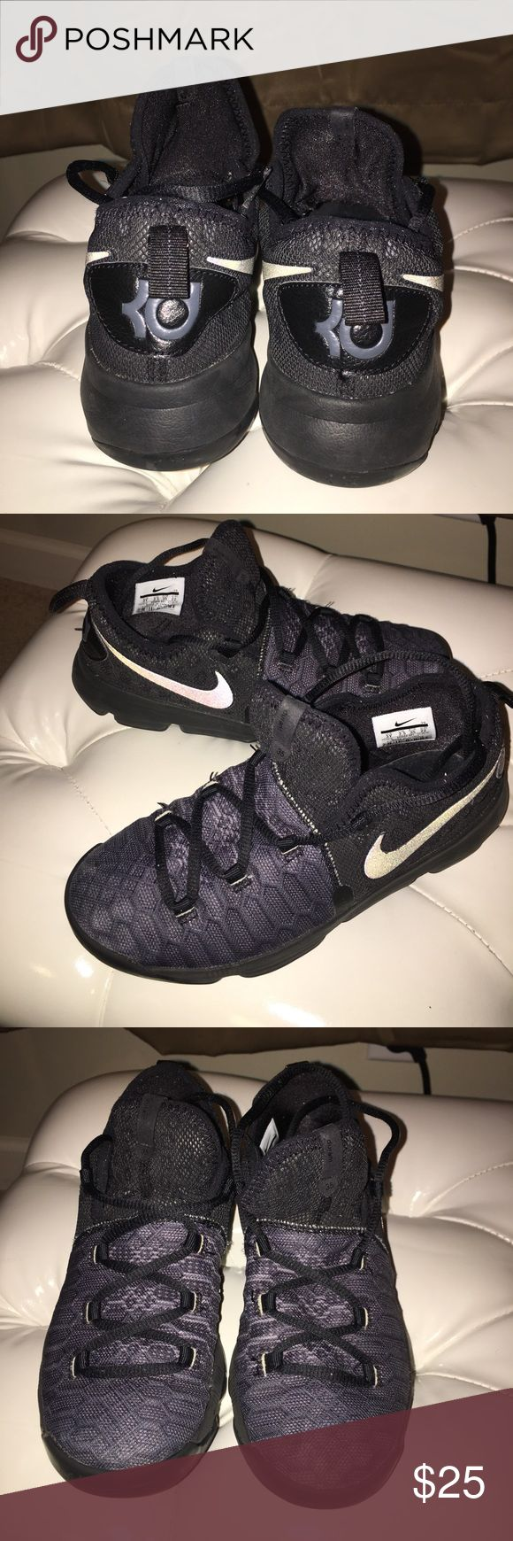 Boy's Nike Kevin Durant Boy's Nike Kevin Durant; Good Condition Nike Shoes Sneakers