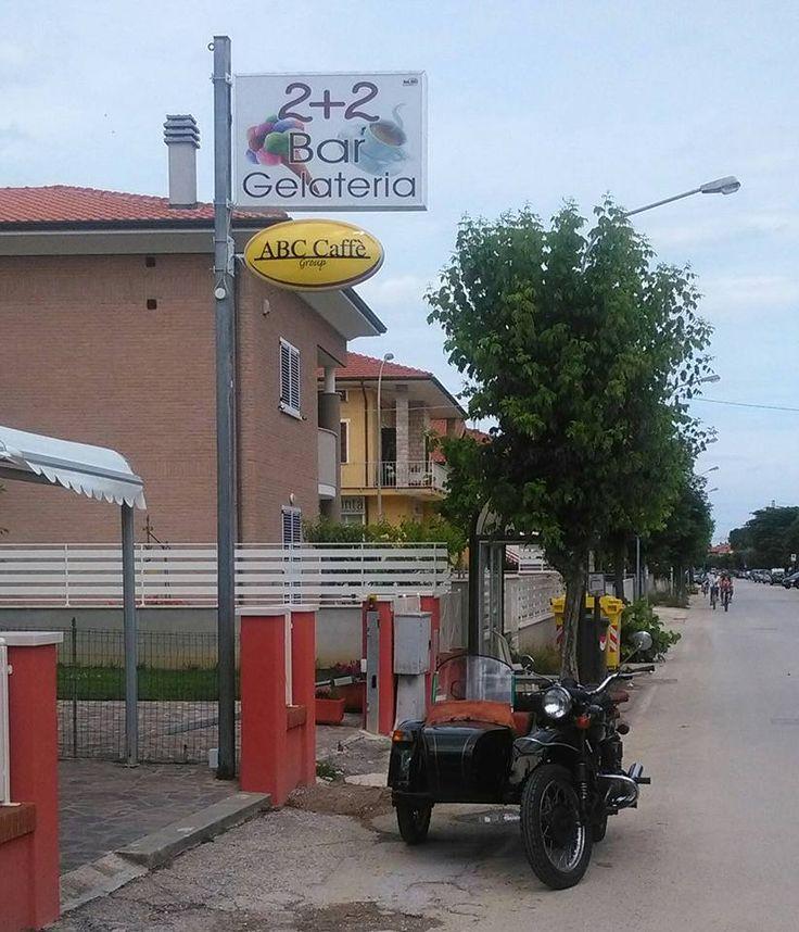 Il caffè ABC in uno storico Bar Gelateria e Latteria di Marotta (PU).