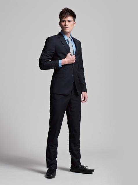 西裝穿搭實戰!5Look穿出貝克漢的帥氣感! - Page 2   manfashion這樣變型男-最平易近人的男性時尚網站   Pantsuit ...
