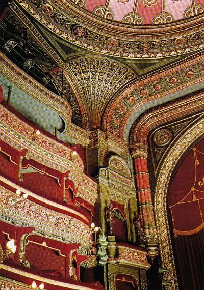Leeds Grand Theatre - currently playing host to Old School Class with their production of Top Hat.    #RealEstate #LiveinWestYorkshire