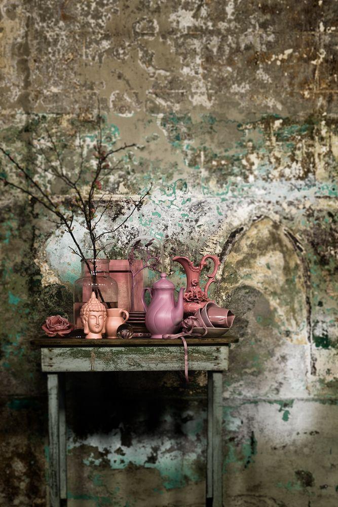 Jeroen van der Spek photographer via Stills | stillstars.com. old patina gold / turquoise grey stucco walls & pink still life